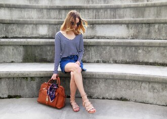 sara strand blogger flat sandals striped top purse
