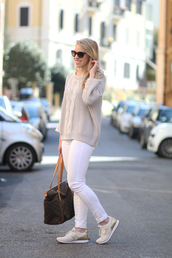 shoes,sneakers,new balance,white sneakers,jeans,white jeans,sweater,nude sweater,knit,knitwear,knitted sweater,bag,sunglasses