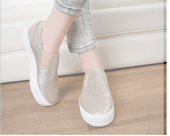 shoes glitter glitter shoes glitter black sparkles glitter heel shoes slip on slip on shoes slip-on sneakers sneakers high sneackers autumn colours winter sweater winter outfits winter/autumn little clothes girl high heels fancy