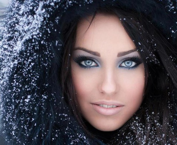 winter outfits make-up fur coat