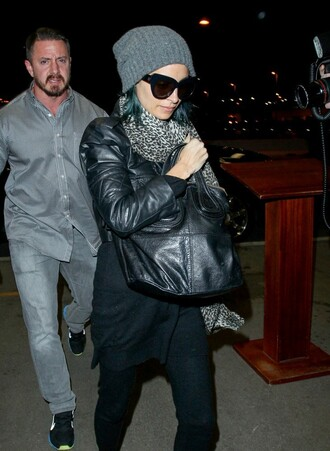 hat fall outfits nicole richie scarf bag
