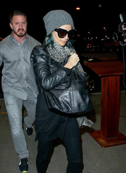 nicole richie hat fall outfits scarf bag