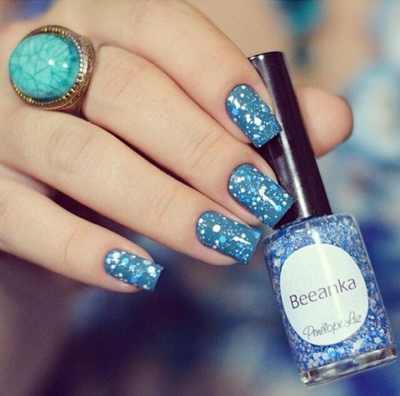 blue and white nail polish