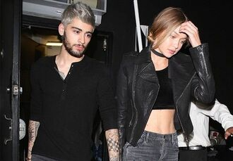 jewels jewelry necklace gigi hadid choker necklace model model off-duty zayn malik leather jacket biker jacket black crop top mens t-shirt skinny jeans black choker