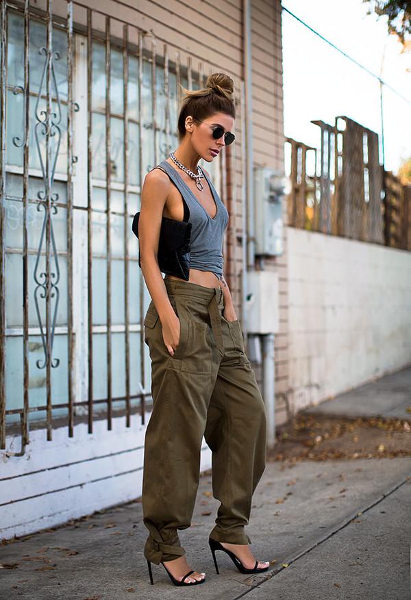 blogger sunglasses jewels bag khaki
