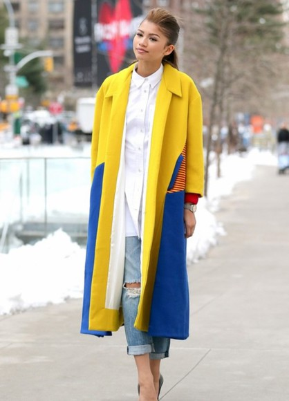 coat yellow trench coat zendaya red blue blouse jeans