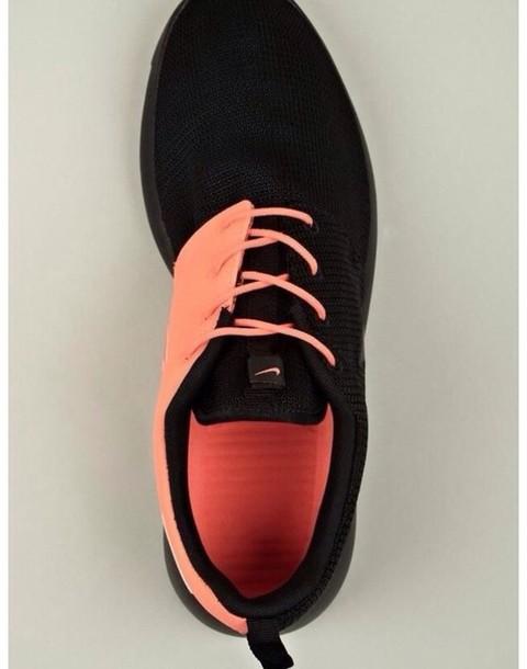 black and coral nike free runs
