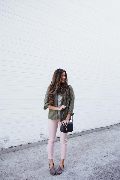 mint arrow blogger leggings jeans sunglasses sweater bag shoes green jacket shoulder bag pink pants