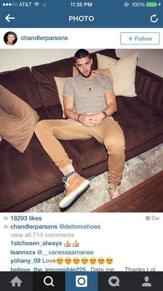 shirt clothes celebrity celebrities celebrity style steal celebrity style t-shirt brand blogger shoes grey t-shirt menswear