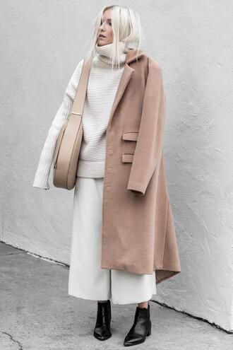 figtny blogger bag coat pants sweater shoes winter outfits ankle boots shoulder bag nude bag turtleneck sweater