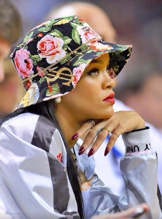bucket hat rihanna