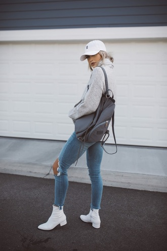 cara loren blogger sweater jeans hat shoes fall outfits cap backpack ankle boots grey sweater