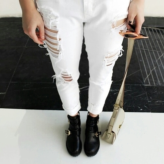 jeans boyfriend jeans white jeans white ripped jeans ripped ripped jeans ankle boots cute jeans stylish style trendy fashion inspo outfit idea blogger fashionista chill rad casual tumblr tumblr clothes on point clothing cute fashion
