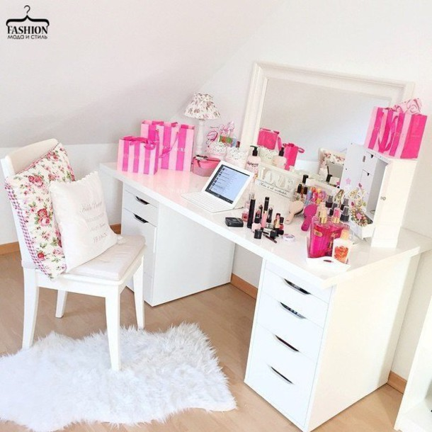 Home accessory: make-up, table, makeup table, desk, mirror, girly, pink, white - Wheretoget