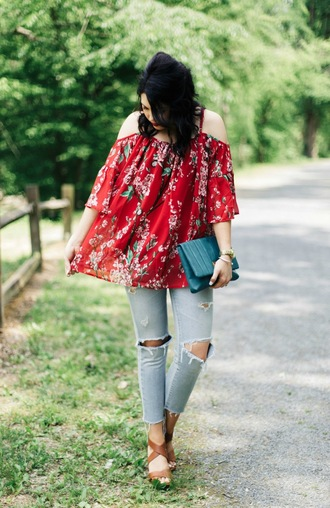 life & messy hair blogger bag shirt jeans jewels shoes