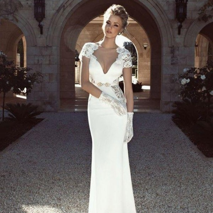 Dress lace homecoming white dress backless mermaid prom for Beautiful fitted wedding dresses