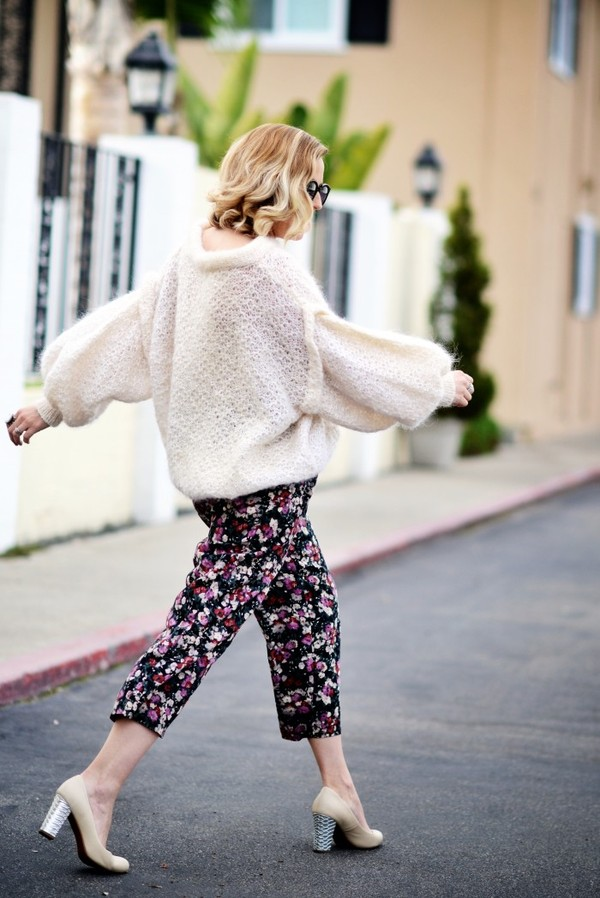 b. jones style sweater pants shoes sunglasses