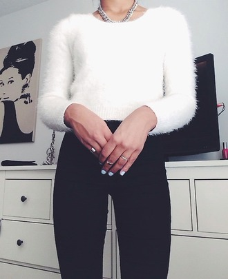 sweater white sweater fuzzy sweater white jewels nail polish classy casual girly cute chanel style jacket fashion flashes of style blouse jeans white jumper white nail polish jumper black jeans white fluffy jumper silver jewelry crop fuzzy sweater shirt white crop tops winter sweater rings silver white nailpolish fluffy crop aesthetic tumblr tumblr outfit