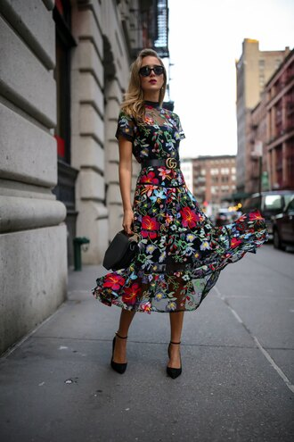 the classy cubicle blogger dress belt shoes bag sunglasses jewels midi dress floral dress gucci belt pumps fall outfits