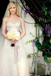 dress,reese witherspoon,wedding dress,celebrity,bustier dress,bustier wedding dress,long dress,white dress,strapless dress,flowers,roses,blonde hair,wedding
