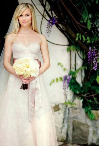 dress reese witherspoon wedding dress celebrity bustier dress bustier wedding dress long dress white dress strapless dress flowers roses blonde hair wedding
