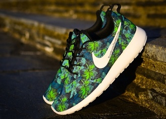 shoes sneakers nike running shoes nike green print roshe runs palm tree print baskets running shoes