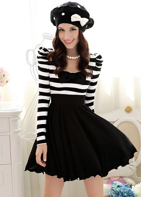 Elegant Black And White Striped Lon..