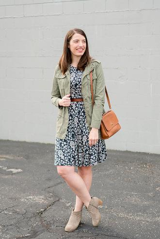 styleontarget blogger jacket dress belt bag spring outfits ankle boots army green jacket shoulder bag