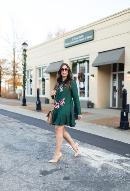 bohostylefile blogger dress shoes bag green dress pumps shoulder bag fall outfits
