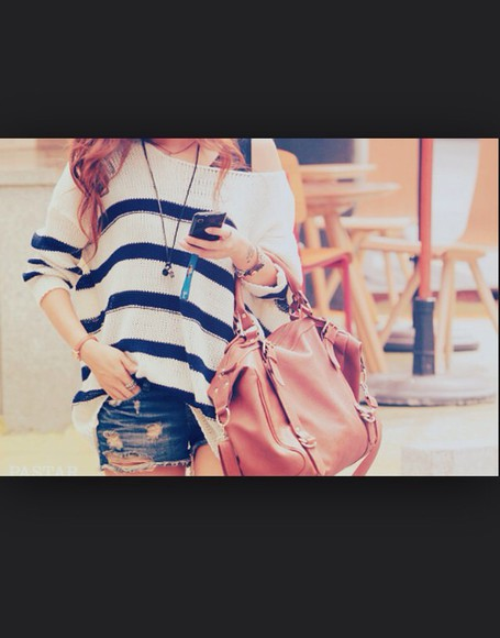 girly black white cute tumblr fashion style top fall outfits hand bag leather bag