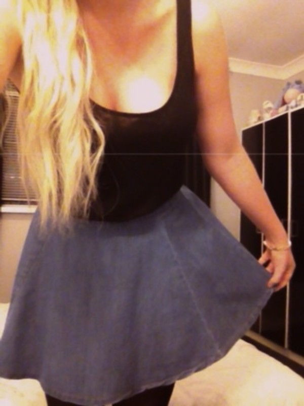 skirt t-shirt black denim long hair blonde hair black top gold bracelets