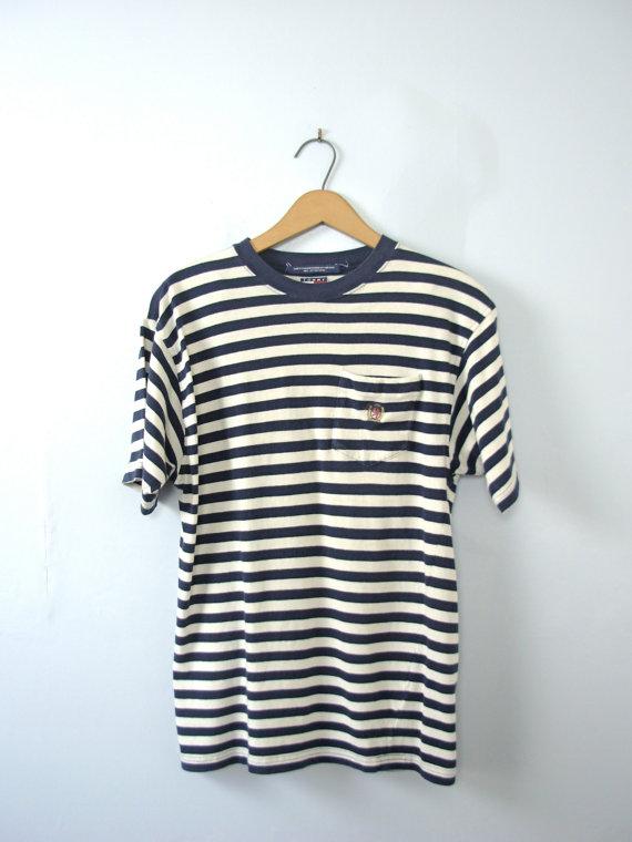 90's TOMMY HILFIGER pocket T shirt