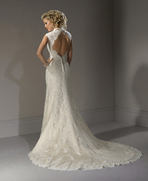2012 maggie sottero bridal ivory light gold scalloped for Vintage lace wedding dress open back