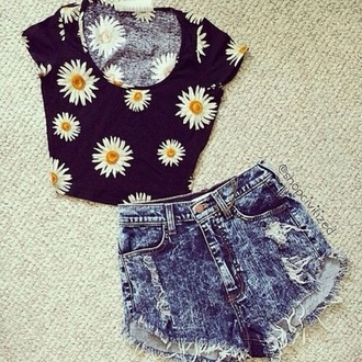shorts jeans denim summer outfits summer outfit fashion teenagers girl daisy tumblr short denim shorts black floral blue shirt tank top collar yellow white flowers blouse t-shirt top crop tops perfect flower top sunflower floral shirt topshop floral tank top floral t shirt cut off shorts