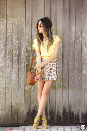 fashion coolture blogger top bag sunglasses yellow summer outfits leopard print mini skirt heels