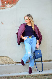thehuntercollector,blogger,top,jeans,belt,shoes,sunglasses,bag,gucci,gucci belt,bomber jacket,blue bag,ankle boots