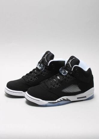 shoes j's jordans jordan's black white i would die for these spring giveme