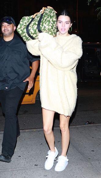 sweater sweater dress oversized oversized sweater kendall jenner sneakers kardashians model off-duty fall outfits nyfw 2017 ny fashion week 2017