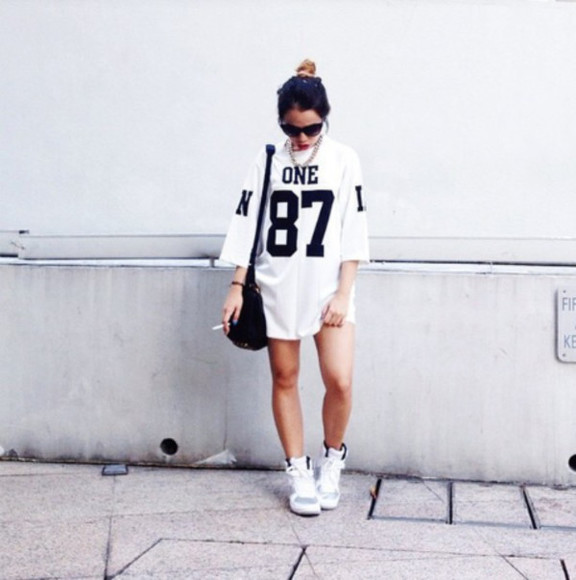 unif mesh jersey air jordans one gold chain red lip streetwear cateye sunglasses cig bulls
