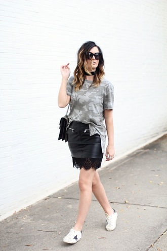 for all things lovely blogger t-shirt skirt shoes bag sunglasses jewels make-up grey t-shirt black skirt sneakers