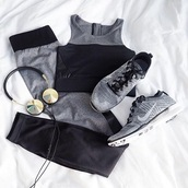 leggings,yoga pants,nike,black,grey,sports bra,earphones,headphones,workout,sports sneakers,sportswear,grey leggings