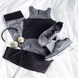 leggings yoga pants nike black grey sports bra earphones headphones workout sports sneakers sportswear grey leggings