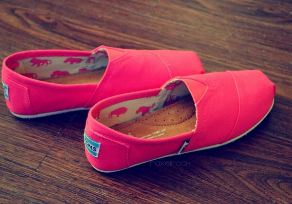 shoes purple pink hot pink toms red orange yellow green blue
