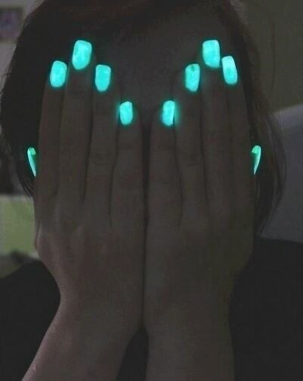 nail polish light blue nails