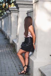 skirt,black skirt,leather skirt,black sandals,top,tumblr,mini skirt,sandals,flat sandals,pink top,camisole,shoes