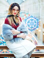 gvozdishe,blogger,skirt,shoes,fur scarf,scarf,winter outfits