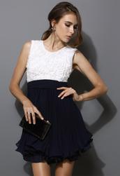 dress,colorblock,pleated,navy,white,flowers,sleeveless,swing,women
