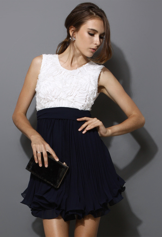 dress flowers white women sleeveless colorblock pleated navy swing