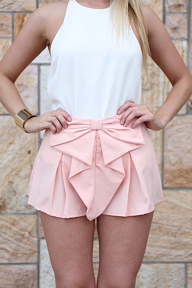 Light pink bow front pleated shorts
