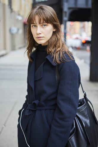 coat nyfw 2017 fashion week 2017 fashion week streetstyle navy navy coat bag black bag turtleneck top black top black turtleneck top